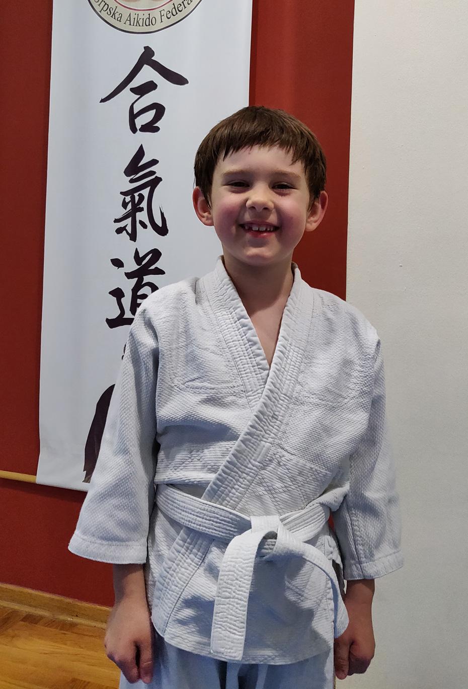 Mladi Aikidoka na treningu